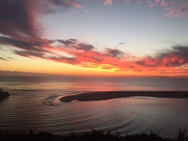 Pôr do sol sobre o estuário