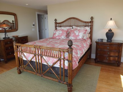 Second Floor Master Suite w/Queen and Private Deck