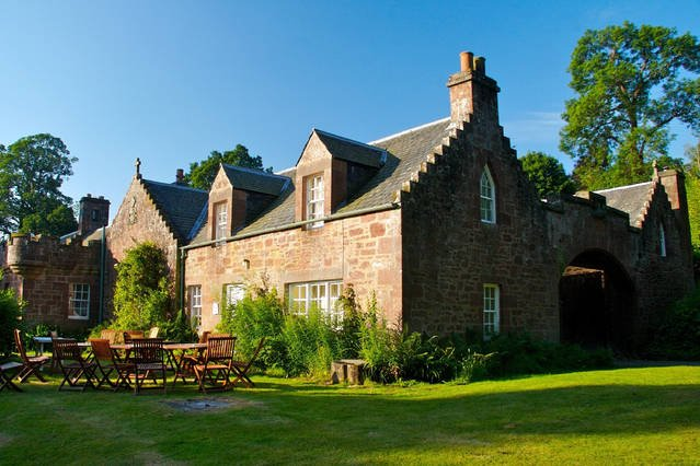 Redwood Cottage - Fingask Castle, casa vacanza a Perth