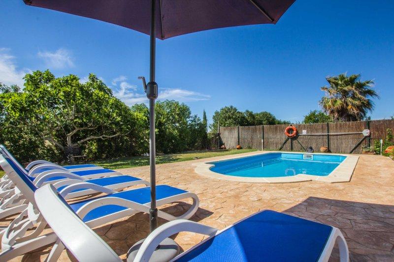 Jesus - Charming little country villa, casa vacanza a Alcúdia