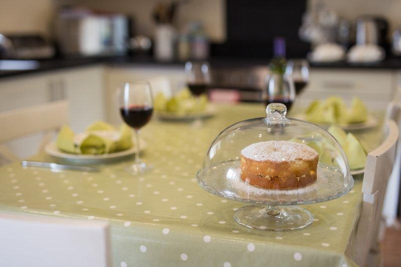 Pig Run Barn estará pronto com leite fresco, chá, café e um bolo caseiro para a sua chegada