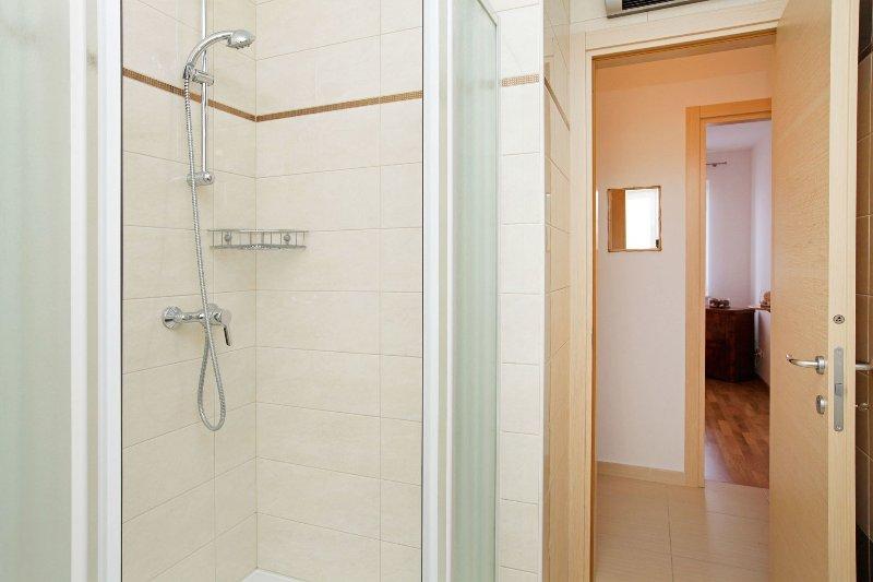 Zor3 (2 + 2): Bad mit WC