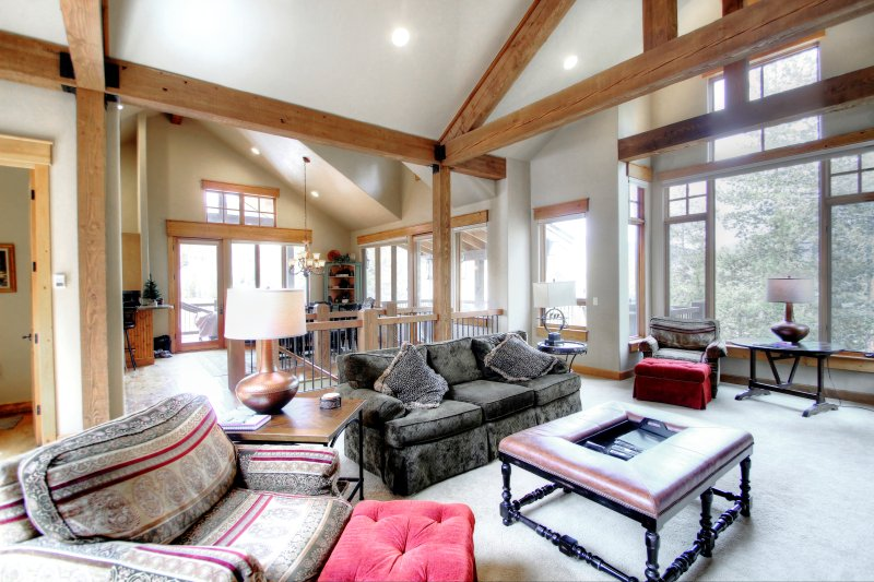 SkyRun Property - '170 Elk Circle' - Spacious Living Room - The spacious living room lets in an abundance of natural light and has plenty of room for the whole family.