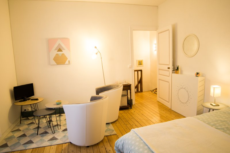 Maison calme en ville proche Puy du Fou, location de vacances à Trémentines