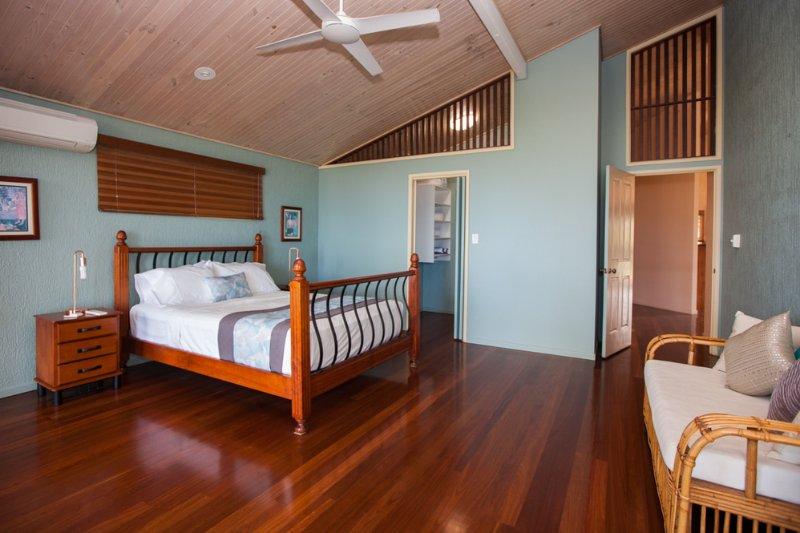 Luna Mission - Main Bedroom