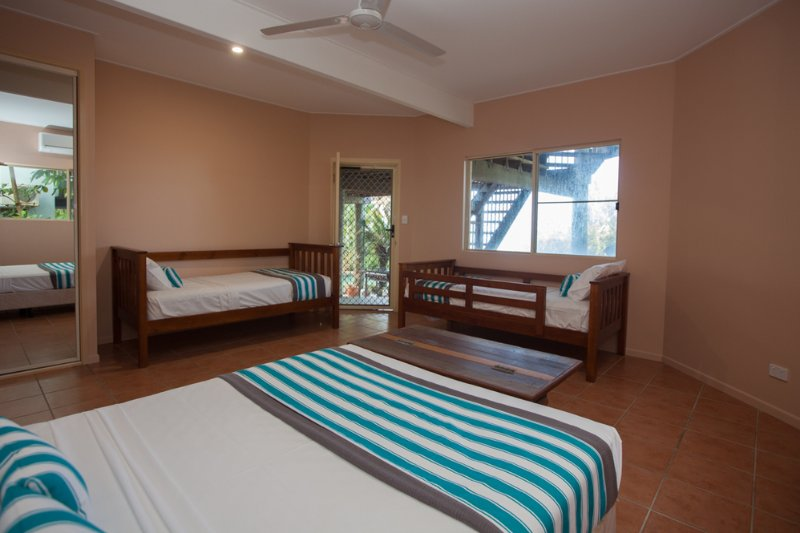 Luna Mission - Downstairs 4th Bedroom. Double bed plus 2 singles