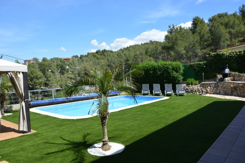 Sitges Villas: Outdoor day overlooking the valley