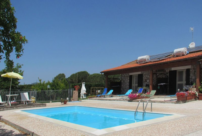 Nice apartment with shared pool, holiday rental in Ponti di Badia