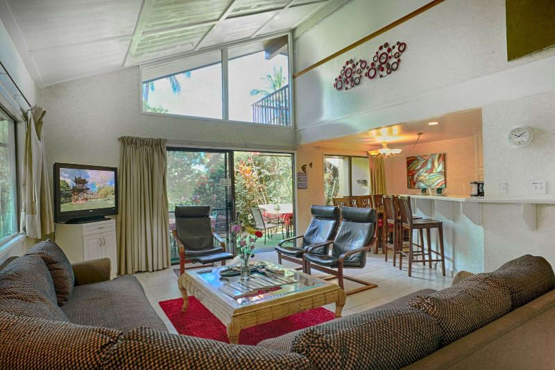 1800SF, Ground level, 4 bedrm, central AC, Few steps to pool entrance,, vacation rental in Kihei