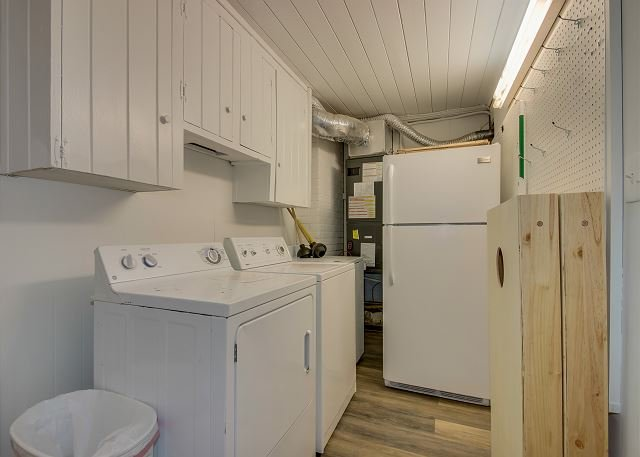 Laundry Room w/Fridge