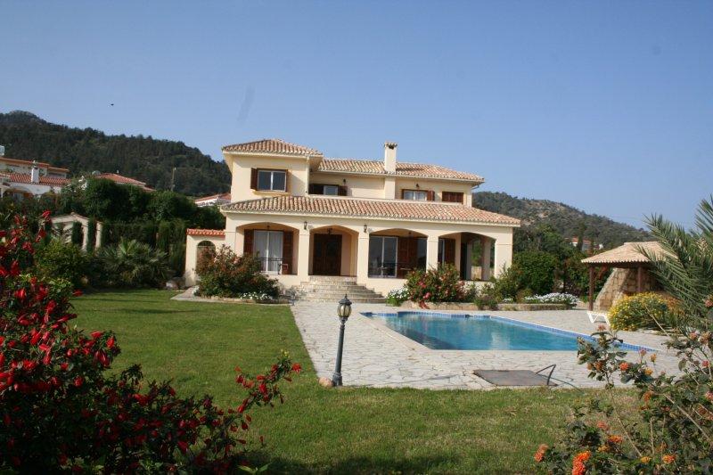 Villa Katsigeni, holiday rental in Kormakitis