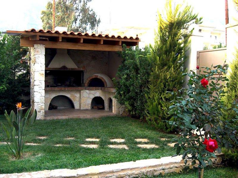 Pleiades Apartments Kineta - Alkyoni, holiday rental in Porto Germeno