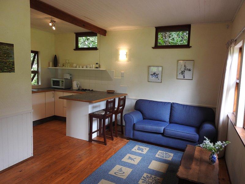 Lounge & kitchennete