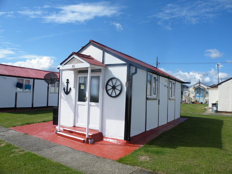 Holiday Chalet One Bedroom (Sleeps 4)   Nautical Themed Bedroom Fresh Exterior Decoration.