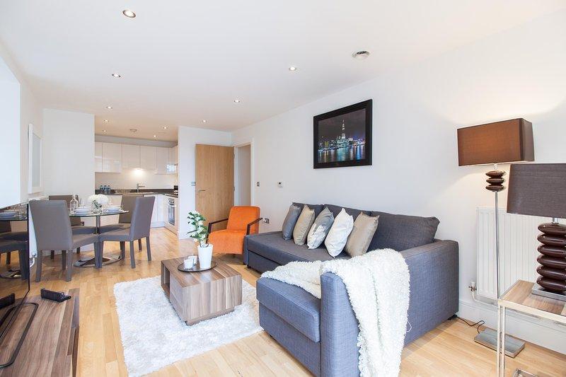 2 Bed 2 Bath Greenwich Riverside Apartment