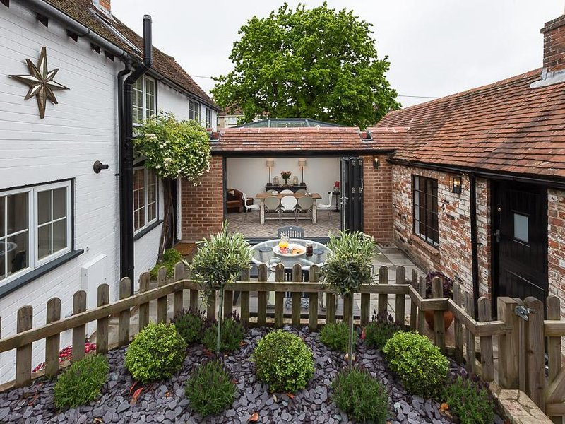 Silverton Cottage, vacation rental in Lymington