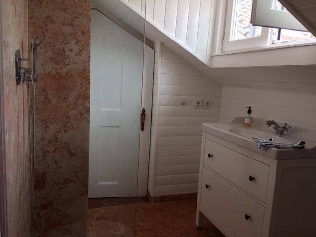 derde niveau sociale badkamer