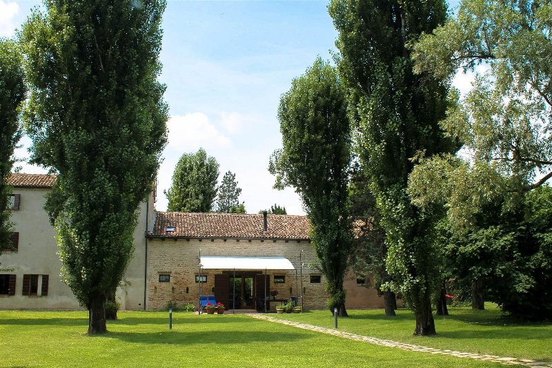 Campigrandi House - Elegante Villa a Casale, holiday rental in Quarto D'Altino