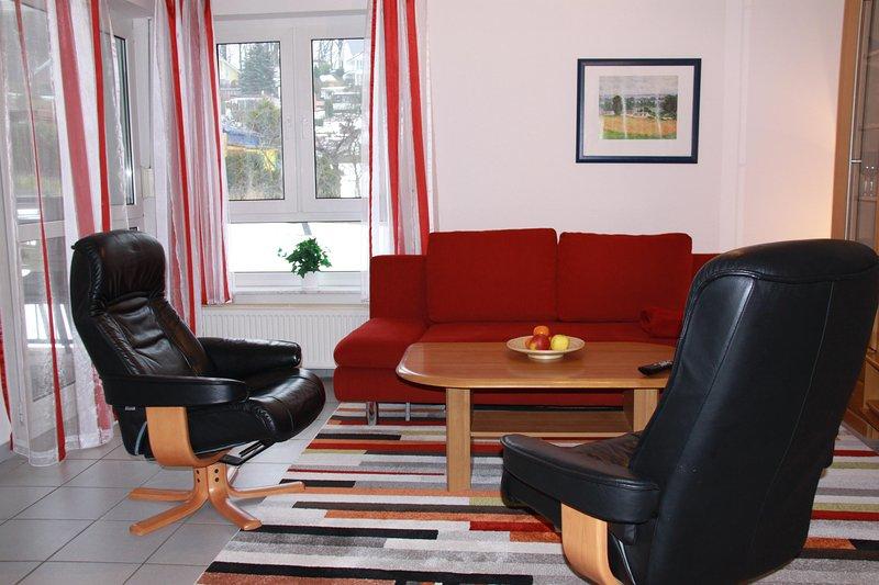 3-Zi-Ferienwohnung, 2 Schlafzimmer, ruhige u. zentrale Lage, Balkon, holiday rental in Lancken-Granitz