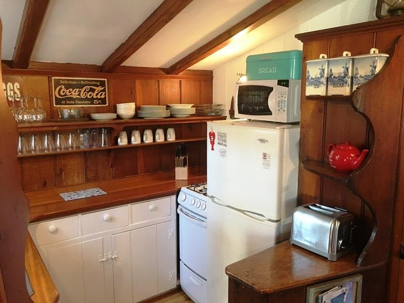 Kitchen - 51 Eliphamets Lane (Windmill House) Chatham Cape Cod New England Vacation Rentals