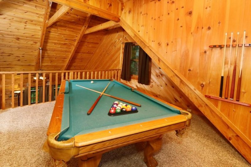 Al piano superiore Loft con tavolo da biliardo