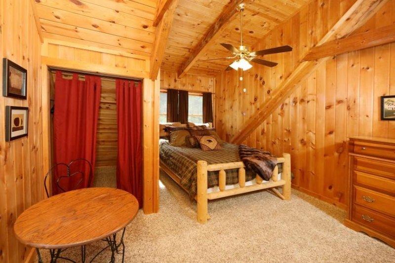 Upstairs Bedroom con letto matrimoniale
