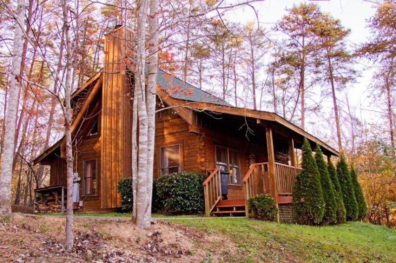Smoky Mountain Rain Cabin