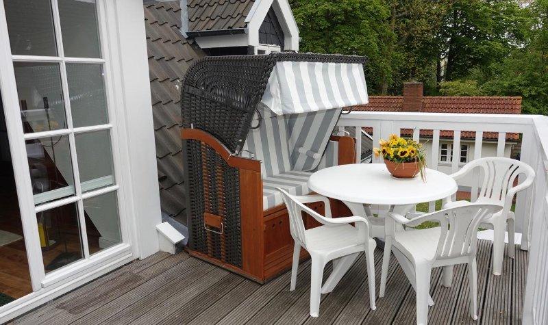 Terrace with beach basket