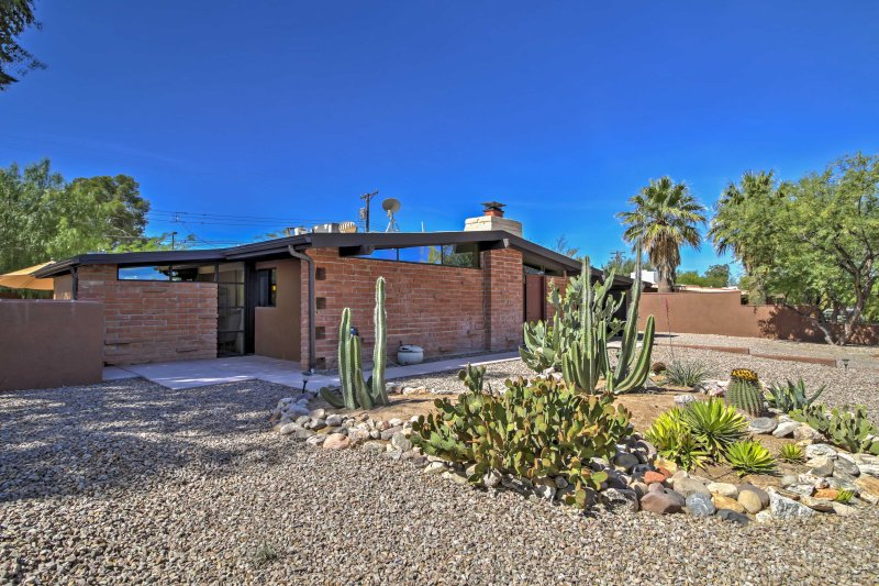 Explore all that Tucson has to offer from this 3-bed, 2-bath vacation rental!