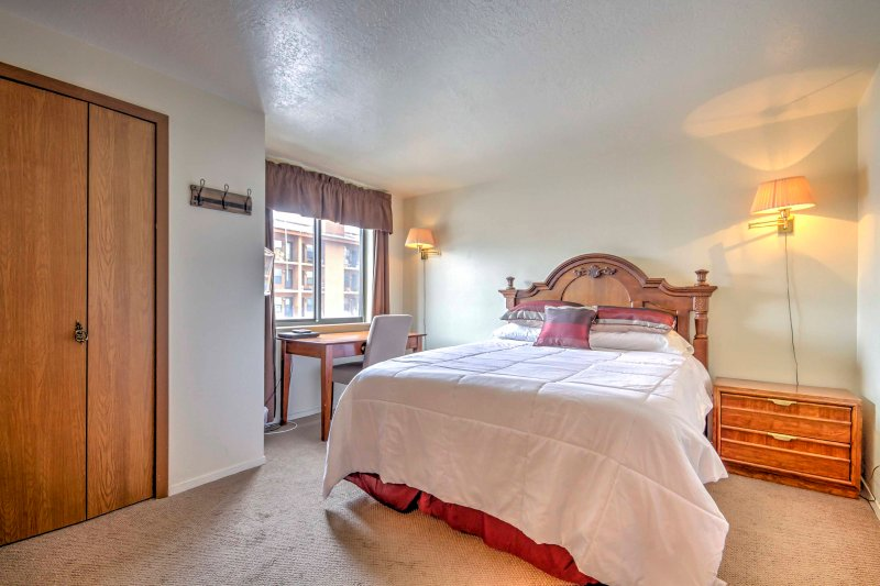 Retreat to the bedroom and sink into the comfortable queen-sized bed for a peaceful slumber.