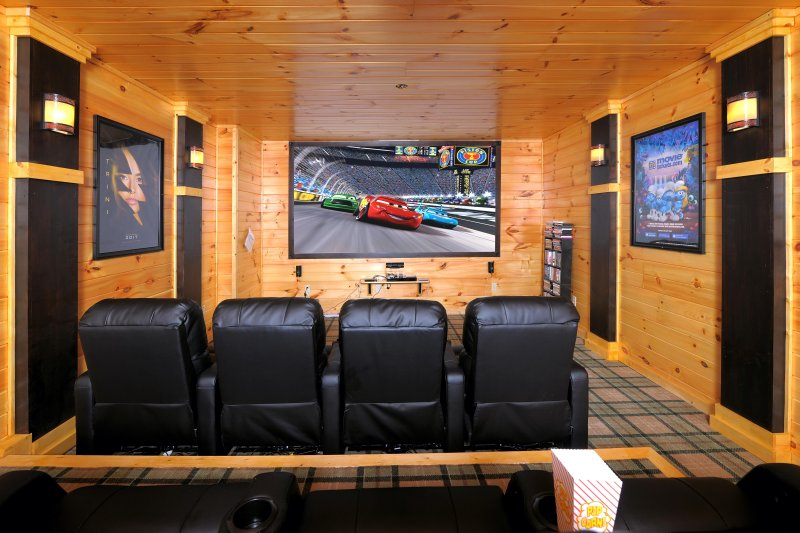 Brigadoon V-Huge Theater Room/Hot Tub/Basketball/Pool/Arcade Game/Private, vacation rental in Gatlinburg