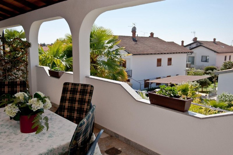 A3 prvi kat do ulice (2+1): terrace