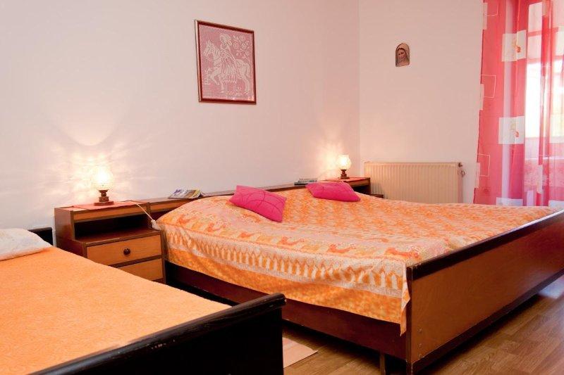 A4 prvi kat do vrta (4): bedroom
