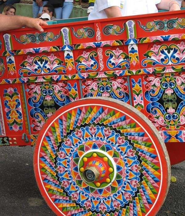 Sarchí original painted wagon, along with the boyeo declared World Heritage.