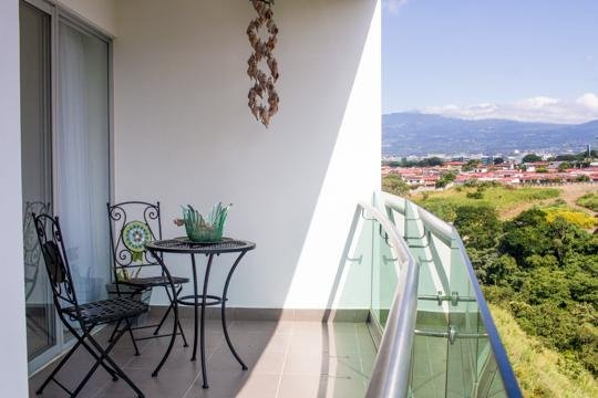Two bedroom in Rohrmoser with view, vacation rental in Santo Domingo de Heredia