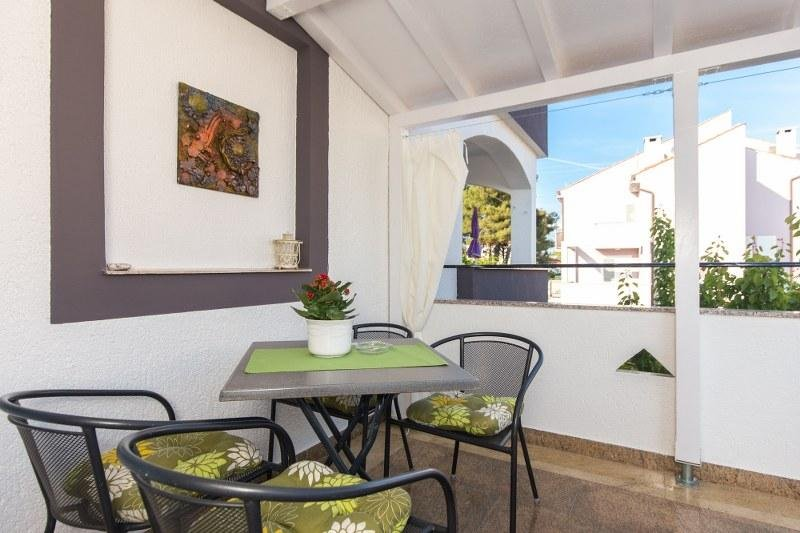 Cute Apartment Suzy in the City of Krk, vacation rental in Krk