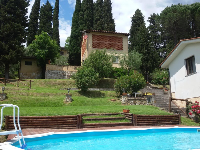 Ciclamino house - The garden and pool