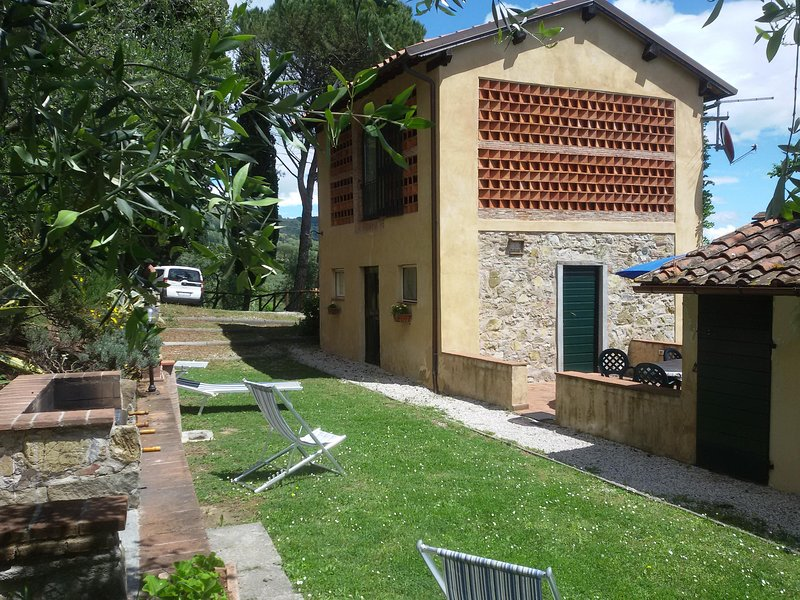 Fiordaliso private garden , terrace and BBQ