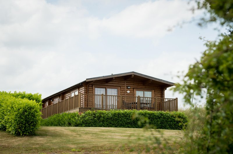 Greetham Valley Self Catering Lodge Exterior