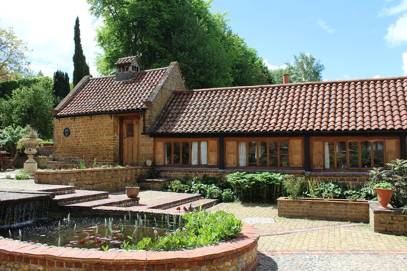 Beechnut, Heath Farm Holiday Cottages. Stunning views & idyllic Cotswold area, holiday rental in Chipping Norton