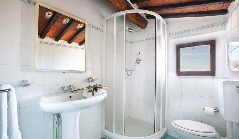 badkamer met douche 1 verdieping
