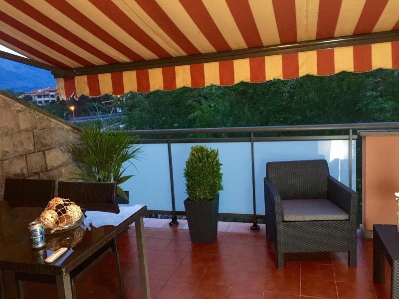 canopied terrace