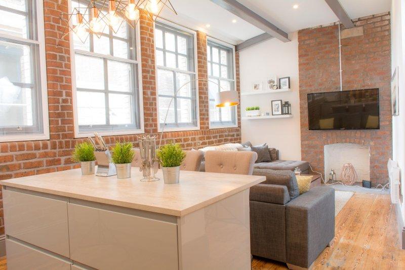 Beautiful warehouse conversion - luxury accommodation!