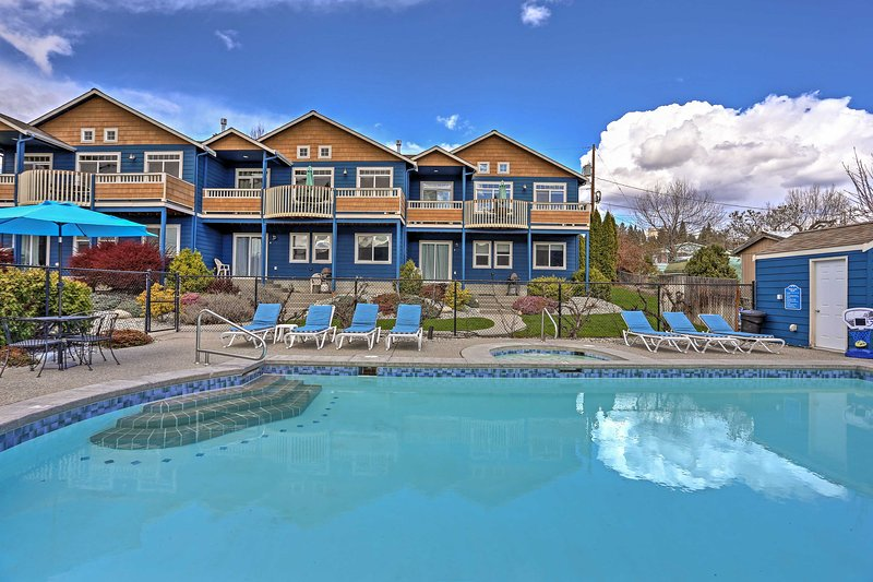 Retreat to an oasis when you stay at this 3-bed Manson vacation rental townhome.