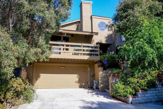 Welcome to your secluded urban oasis, centrally located near to everything that is San Diego!