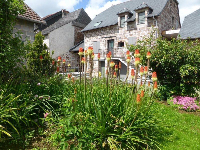 Grand gîte **** tout confort 'La maison de Julien et Marie-Louise' à Objat, vacation rental in Juillac