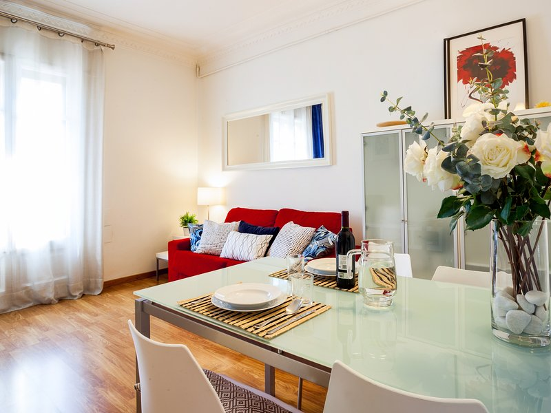 Typical Eixample one bedroom apartment, vacation rental in Rubi