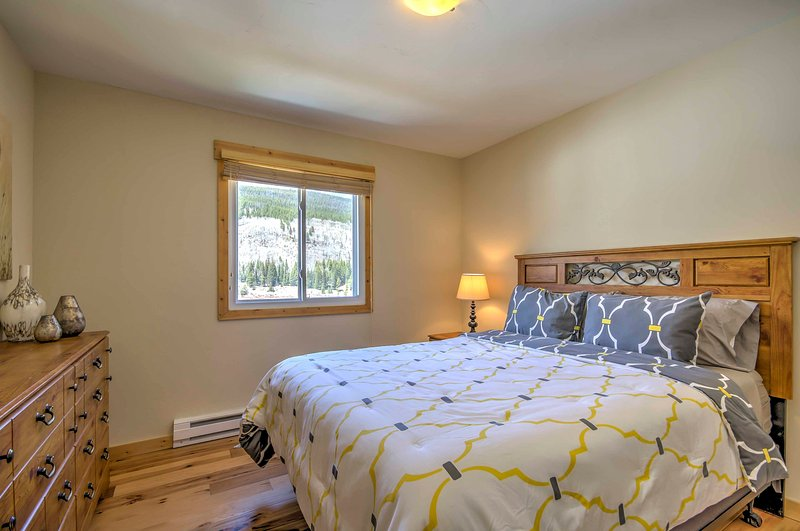 The beds offer petroleum free memory foam mattresses and hypoallergenic pillows.