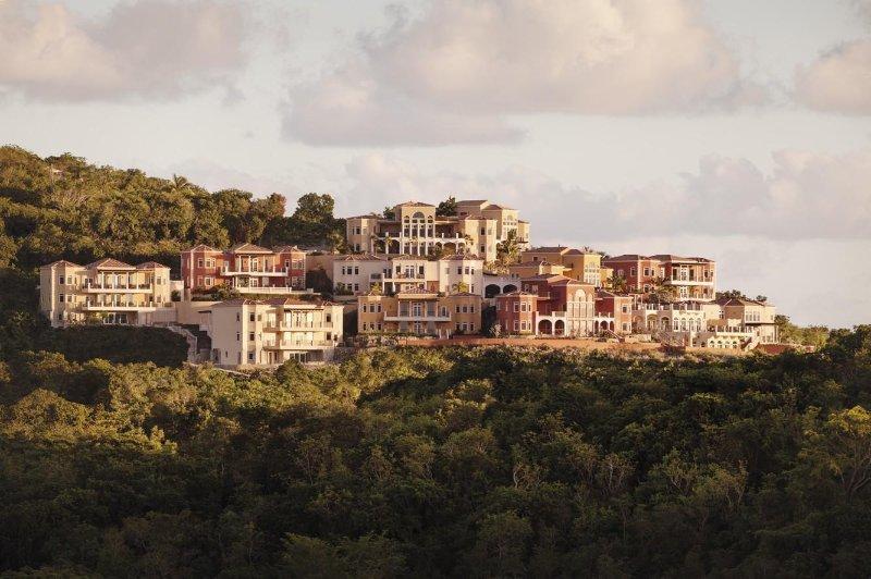 Sirenusa Residences