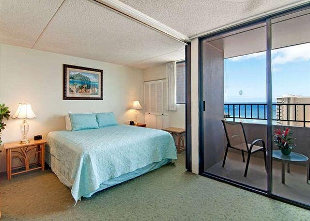 Beautiful Ocean View Condo with King Bed